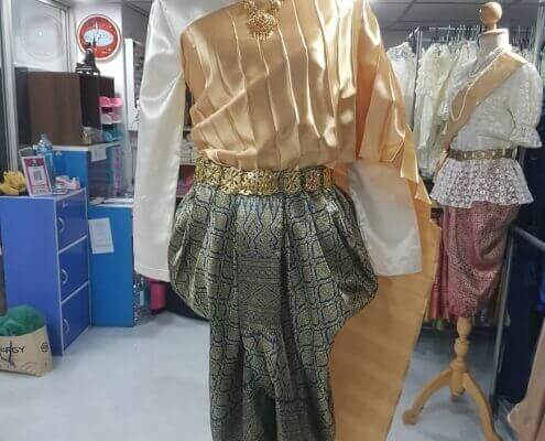 แบบชุดไทยห่มสไบ