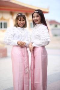 ชุดไทยสไบสีชมพู2