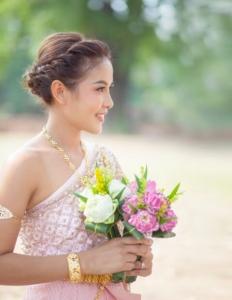ชุดไทยประยุกต์แต่งอย่างไรให้ดูแพง